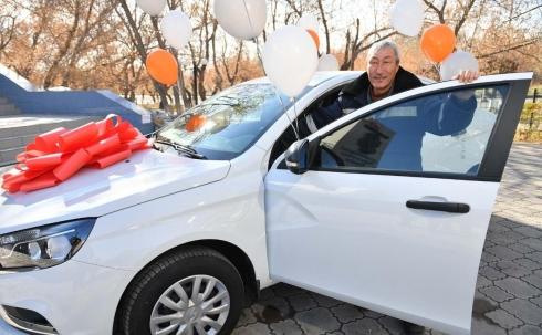 В АО «АрселорМиттал Темиртау» состоялся розыгрыш третьего автомобиля среди работников