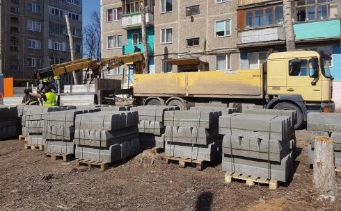В Караганде началось благоустройство дворов