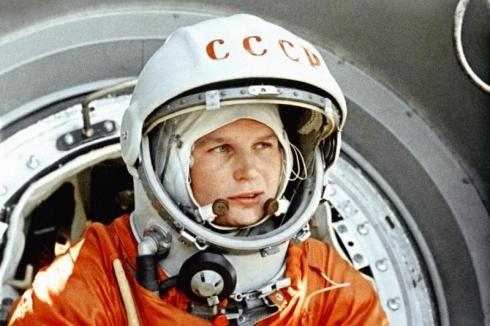 «Эй! Небо, сними шляпу!» - день полета первой женщины в космос