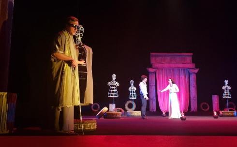 В Караганде состоялась премьера трагедии «Fedra. Игра». Фотоотчёт