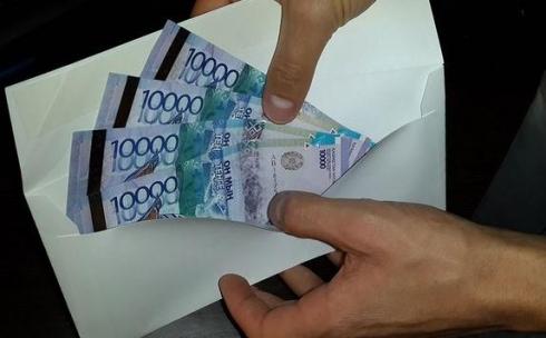 В Караганде экс-сотрудник военкомата промышлял кредитными аферами