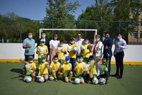 Партия «Nur Otan» поздравила с 1 июня карагандинских детей