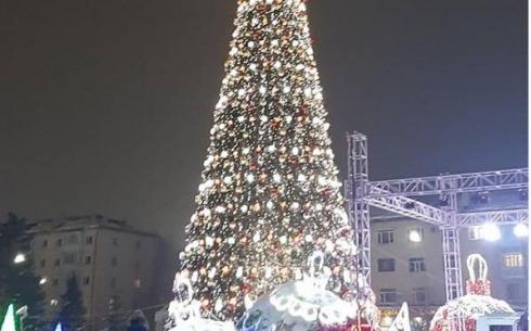 Когда новогодние украшения уберут с улиц Караганды?