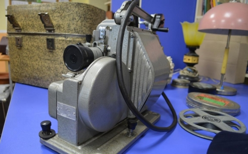 В карагандинский Экомузей поступила печатная машинка и кинопроектор времен СССР
