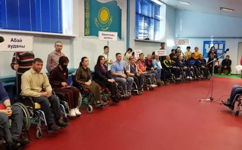 В Караганде проходит турнир по настольному теннису среди инвалидов-колясочников