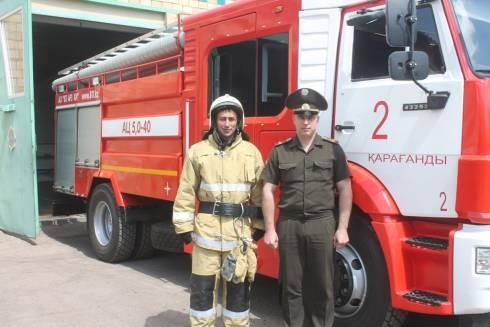 В Караганде успешно потушили пожар на улице Бирюзова