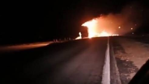 Свыше семи тонн туалетной бумаги сгорело на трассе Балхаш-Караганда