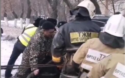 В Караганде женщину зажало в автомобиле в результате ДТП