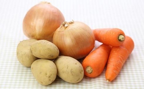 В Карагандинской области подешевел картофель, морковь и лук