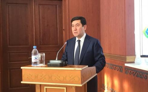 «Люди довольны». Депутаты положительно оценили работу акима Карагандинской области