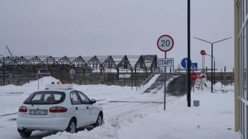 В РК временно приостановлена выдача водительских прав и регистрация авто