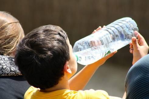 Врачи спасли выпившего уксус ребенка в Караганде