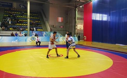 В Караганде проходит Областной турнир по қазақ күресі