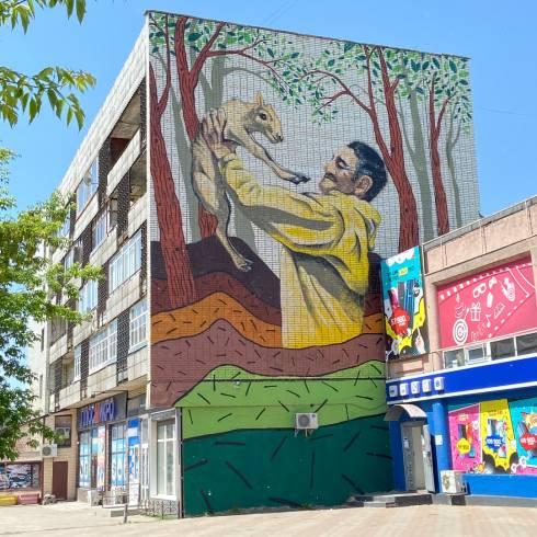 В Караганде завершили создание мурала памяти Ерлана Нургалиева
