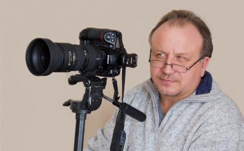 В темиртауском театре для детей и юношества проходит фотовыставка Сергея Кочмарева