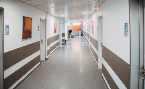 В частные руки передали пустующее здание, расположенное на территории детской больницы Караганды