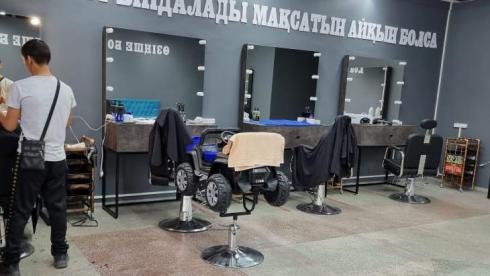 В Караганде открылся барбершоп, доход с работы которого пойдёт на благотворительность