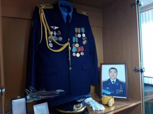 На карагандинской авиабазе открыли мемориальный уголок в память о подвиге полковника Марата Едигеева