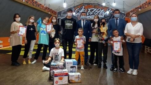 «Креативная молодёжь»: Юные шахтинцы сразились в танце