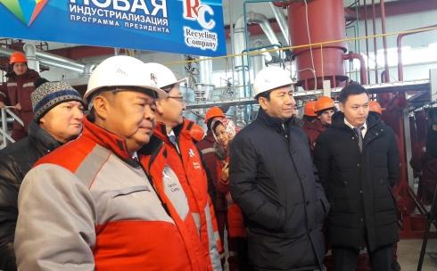 Глава государства запустил второй этап Карагандинского завода по утилизации старых автомобилей