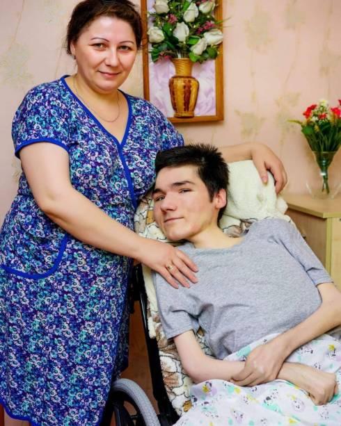 Парню из Шахтинска требуется аппарат ИВЛ для продолжения жизни