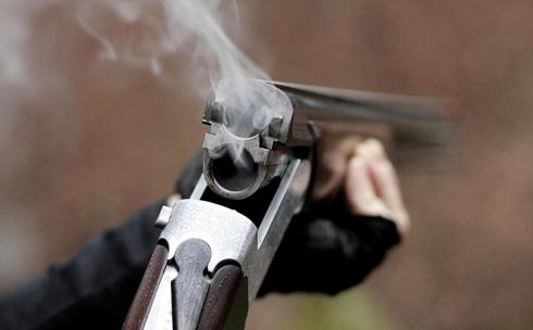 В одном из ночных клубов Караганды неизвестные произвели выстрелы из ружья