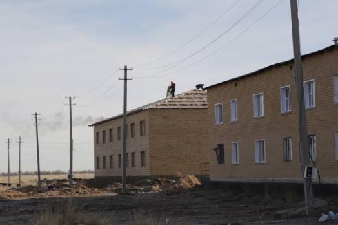 В Жанааркинском районе активно идёт строительство жилья