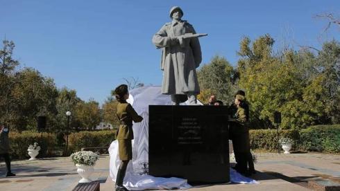 Памятник воину-гвардейцу отреставрировали в Жезказгане