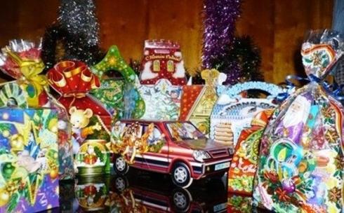 В Темиртау не нашлось денег на новогодние подарки для детей из малообеспеченных семей