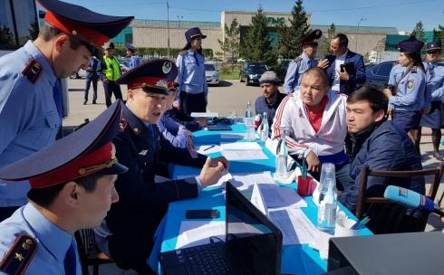 Жители Карагандинской области активно участвуют в акции «Приемная на дороге»