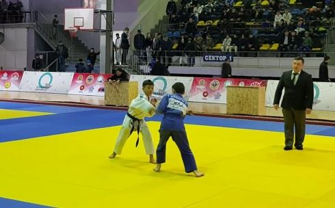 В Караганде проходит турнир по дзюдо среди юношей на призы выпускников спортивной школы «Жас сункар»