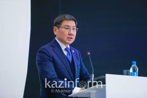 Аскар Жумагалиев призывал молодежь обучаться на IT-специальности