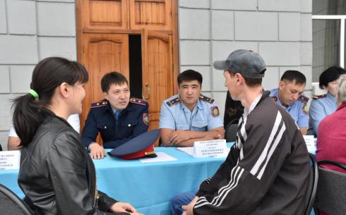 Карагандинские полицейские приняли 1673 граждан по акции «Приемная на дороге»