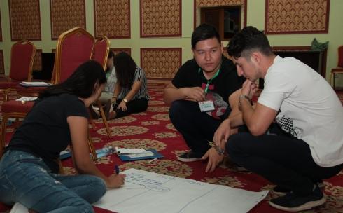 «Zhas project» дает ориентир карагандинской молодежи