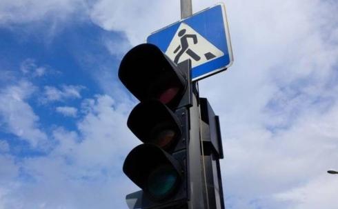 Карагандинцы жалуются на неработающий светофор в центре города