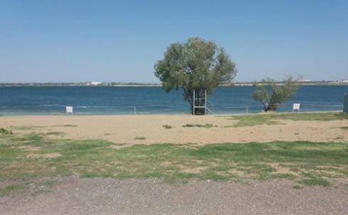 Карагандинцы жалуются на мусор на территории Фёдоровского водохранилища