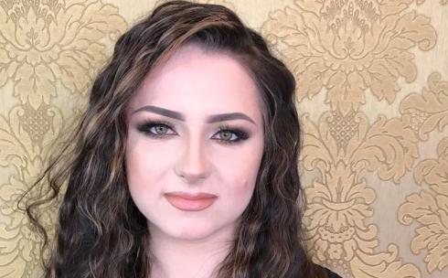Подборки видео сперма на волосах девушек