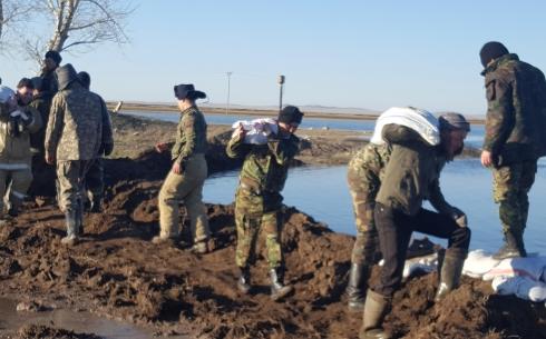 В Карагандинской области паводок на один день отрезал от цивилизации поселок Нураталды