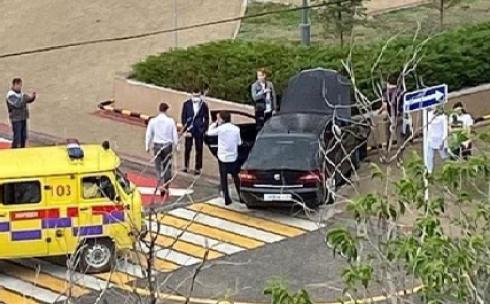 Восемнадцатилетний водитель не справился с управлением и врезался в ограждение в Караганде
