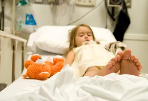 Здоровью ребёнка, выпавшего из окна второго этажа в Караганде, ничего не угрожает
