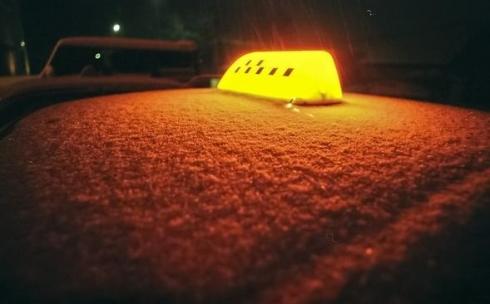 В Караганде такси не стали завышать цену на проезд из-за непогоды