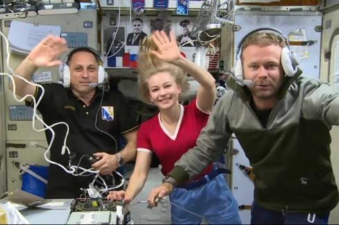 В Казахстане готовятся к приземлению космического киноэкипажа