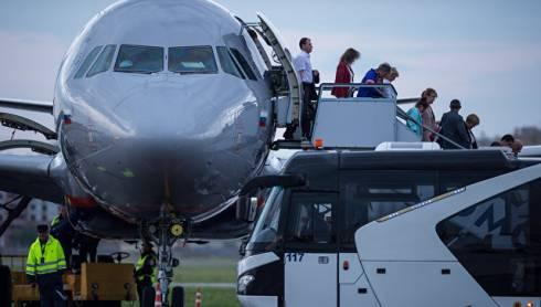 Самолет Москва-Караганда экстренно сел в Казани