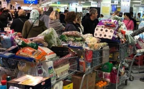 68% опрошенных карагандинцев покупают продукты питания по мере необходимости