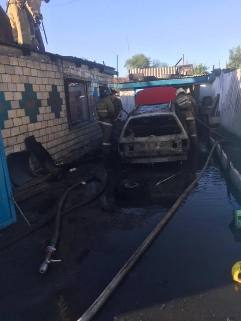 Местные жители спасли людей от пожара в Карагандинской области