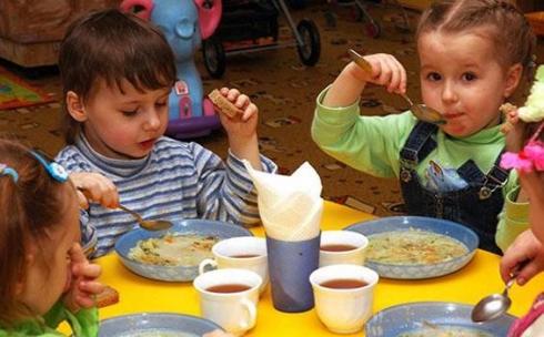 В детских садах Караганды планируется повышение оплаты за питание