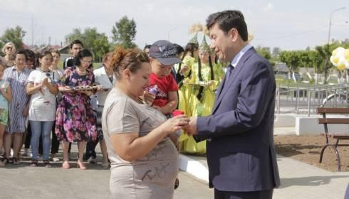 В Абае 36 семей получили ключи от новых квартир