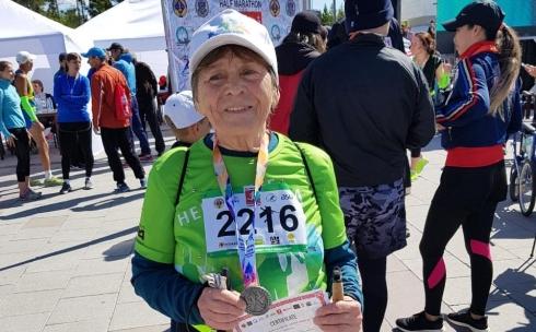 Самой взрослой участнице полумарафона Armanǵa jol 2019 исполнилось 82 года