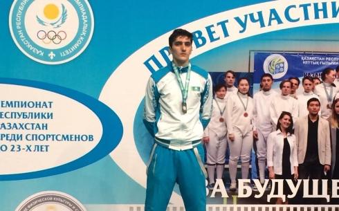 Карагандинец стал серебряным призёром чемпионата РК по фехтованию