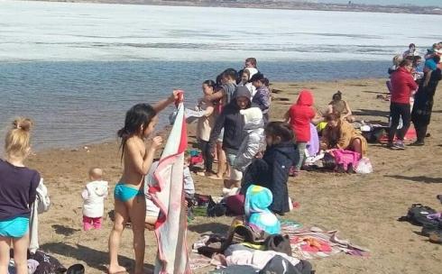 Карагандинские йоги открыли летний купальный сезон